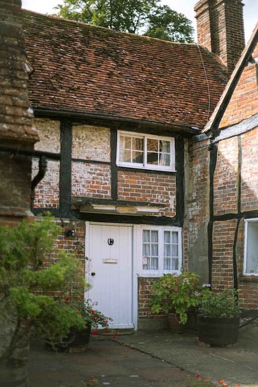 Vicar-of-dibley-cottage-in-Turville